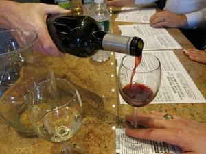 TALL NY Wine Glass